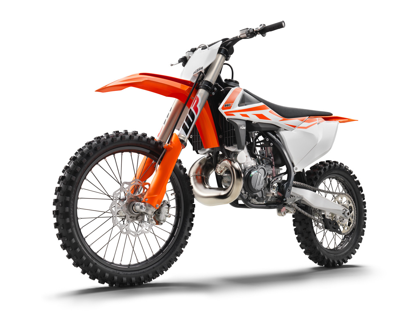 2017 ktm 250 sx first look 2017 ktm motocross and cross country line motocross pictures. Black Bedroom Furniture Sets. Home Design Ideas