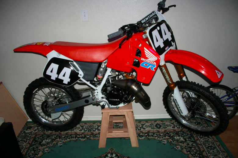 Hydraulic dirt bike stand carburetor gallery for What is dirt made out of