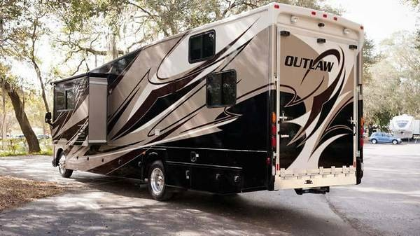 While we 39 re spending money team wmr jordan bailey 39 s rv for Class a rv with garage