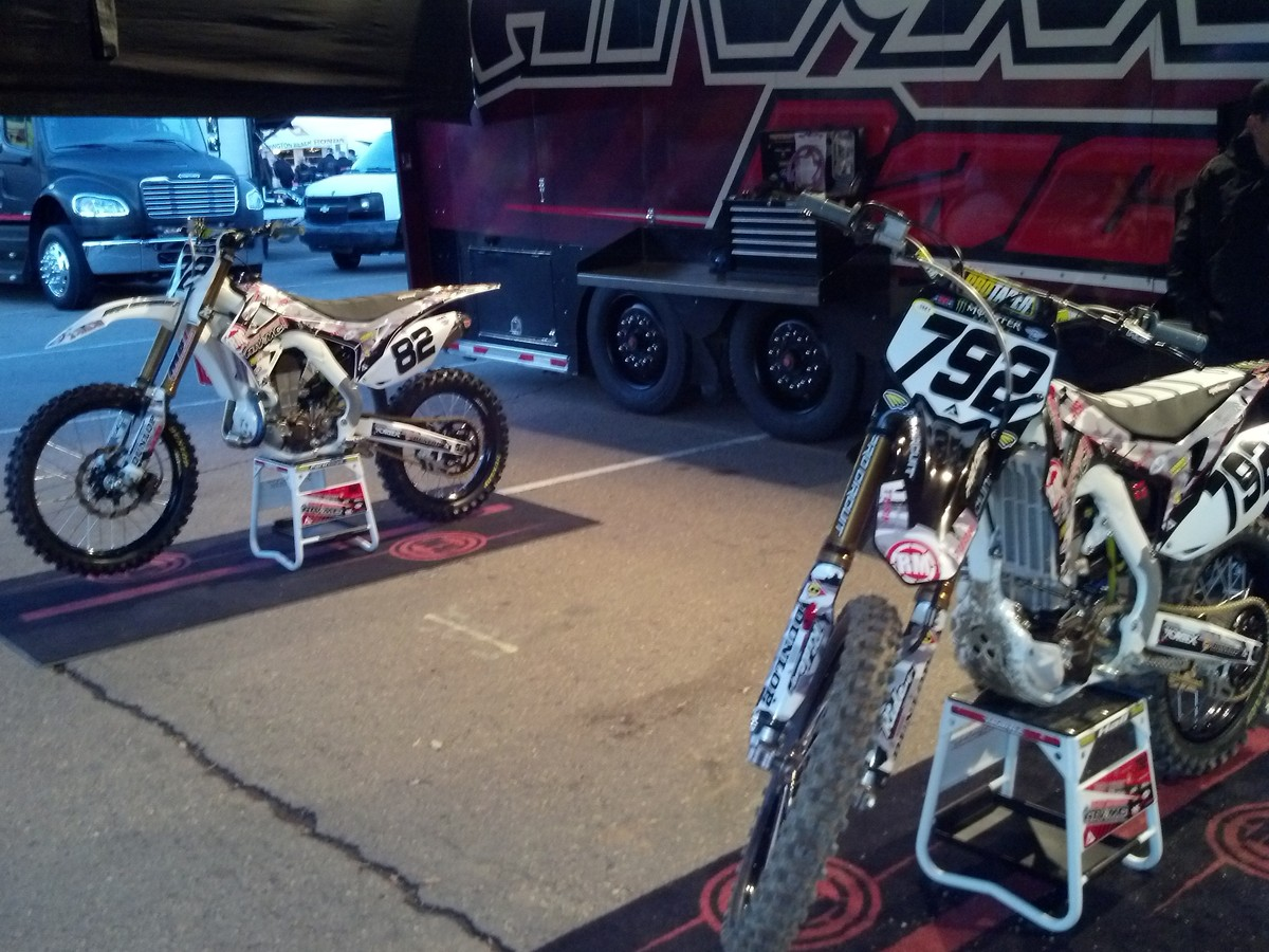 Rocky mountain mc ultimate supercross winner moto for Rose city motors fort wayne in