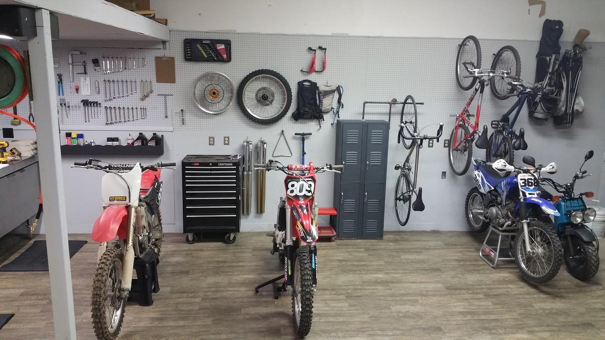 Dream garage moto related motocross forums message for Location garage moto