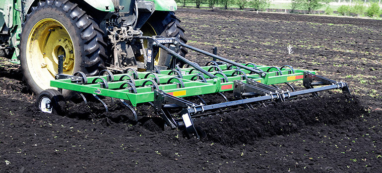 Efficient track grooming equipment