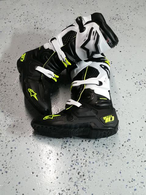 Alpinestars Tech 10 Black Green White Size 12 For Sale
