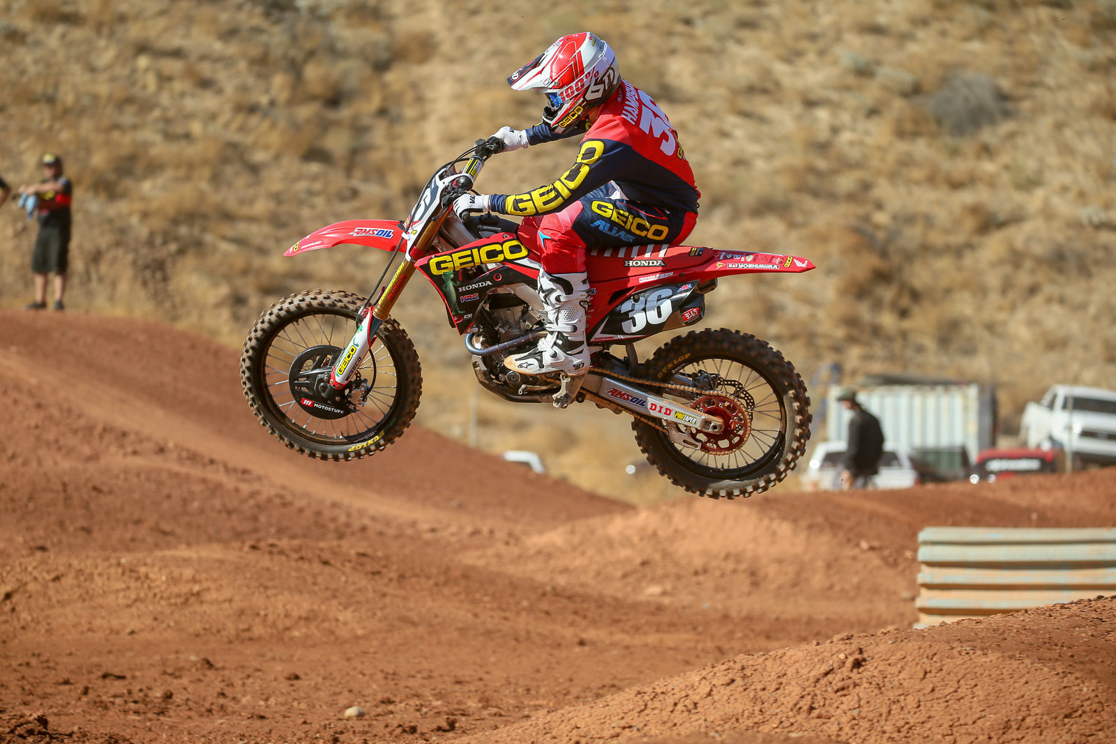 RJ Hampshire Signs Contract Extension with GEICO Honda