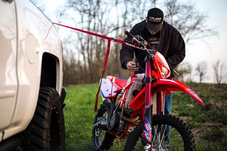 S780_full_msr_hardparts_shoot_tiedownbike_web_285933