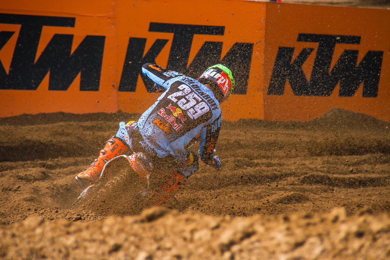 Glenn Coldenhoff Signs 1-Year Contract Extension with Red Bull KTM