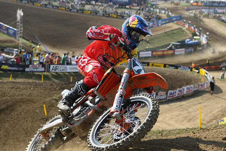 Ken Roczen looked to have this moto on lock for the win, but a crash late in the moto allowed Eli Tomac to get him in view, and there was no way he was going to let that opportunity get away. Ken ended up second in the moto, and third overall after his fifth in moto one.