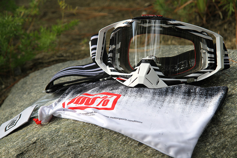The 100% Racecraft comes with everything you need to go racing: nose guard, 20 tear-offs, extra lens, and a protective bag.