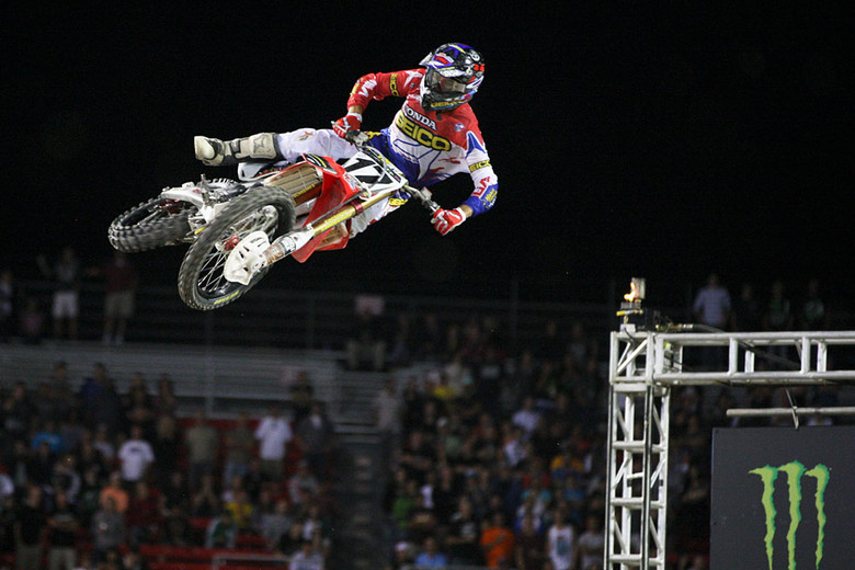 Eli Tomac (GEICO Honda) was aboard a factory 450, and ended up third overall.