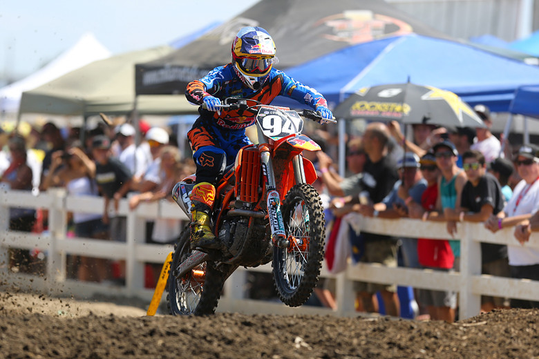 Ken Roczen (Red Bull/KTM) took the first moto win, and crashed in a second moto tangle with Zach Osborne (GEICO Honda) while leading the second.