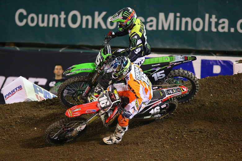 Zach Osborne (GEICO Honda) ended up third in the 250 main after working his way forward to battle with Dean Wilson (Monster Energy Pro Circuit Kawasaki). These two went at it for quite a while with some aggressive racing.