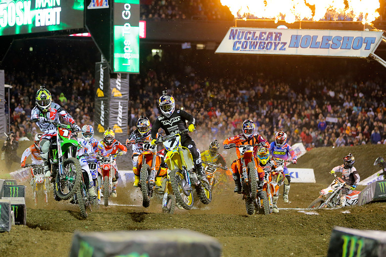 Blasting off the line, it was all the usual suspects up front, but Chad Reed (behind Ryan Villopoto) quickly went to the front and pushed the pace.