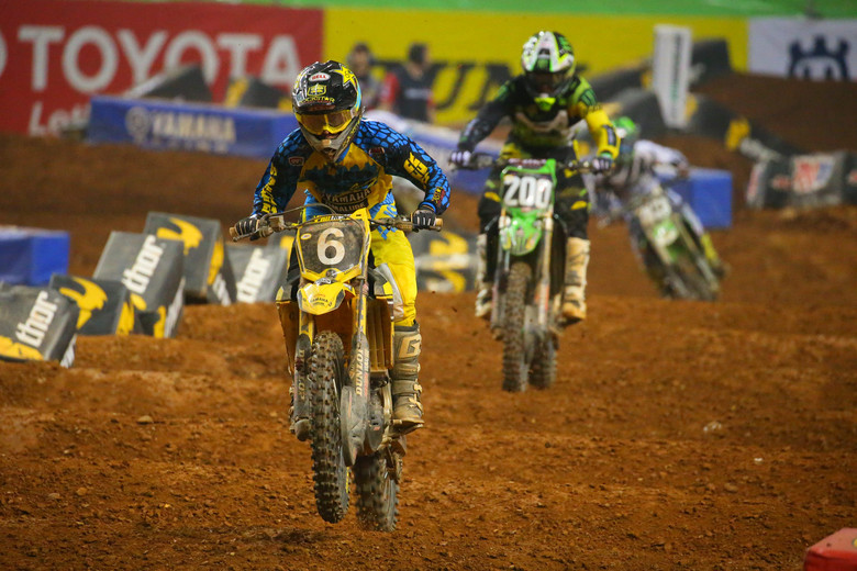 Jeremy Martin (Yamalube Star Racing Yamaha) took the first 250 heat race after both Vince Friese (Smartop MotoConcepts Racing) and Arnaud Tonus (Monster Energy Pro Circuit Kawasaki) had taken turns up front.