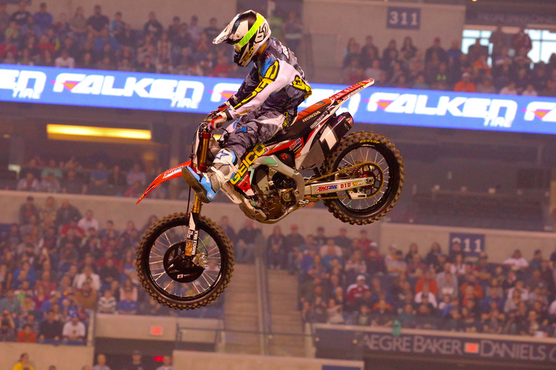 Justin Bogle scored the first heat race win of the night for GEICO Honda, ahead of Joey Savatgy and Martin Davalos.