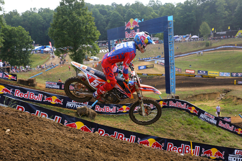 Ryan Dungey cranked out the fastest 450 qualifying time...by a few tenths over Ken Roczen.
