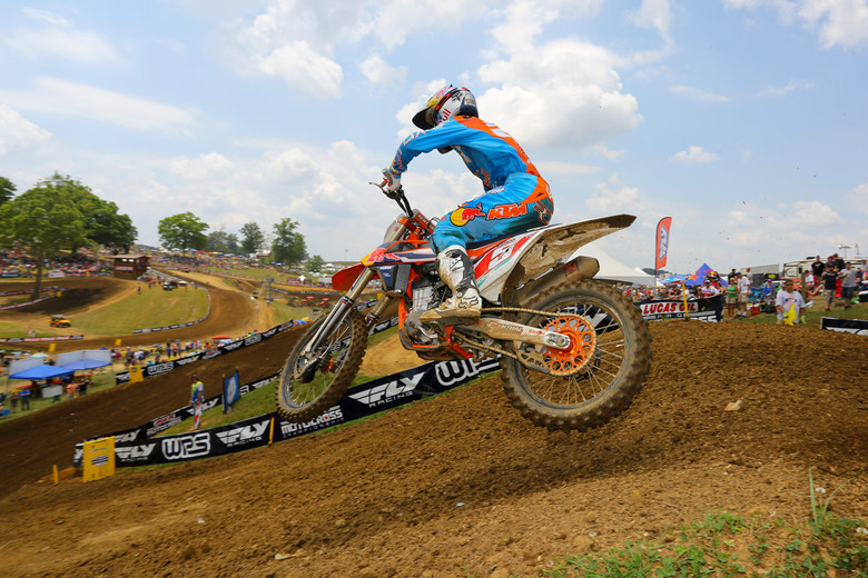 Ryan Dungey took the first moto win in convincing fashion. He was catching Ken Roczen in the second moto, but a small crash prevented him from closing the gap. A 1-2 score was good for the overall.