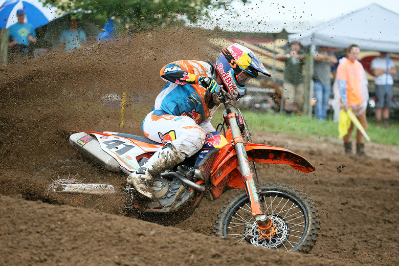 Trey Canard makes his return to professional motocross today. He's lookin' good.