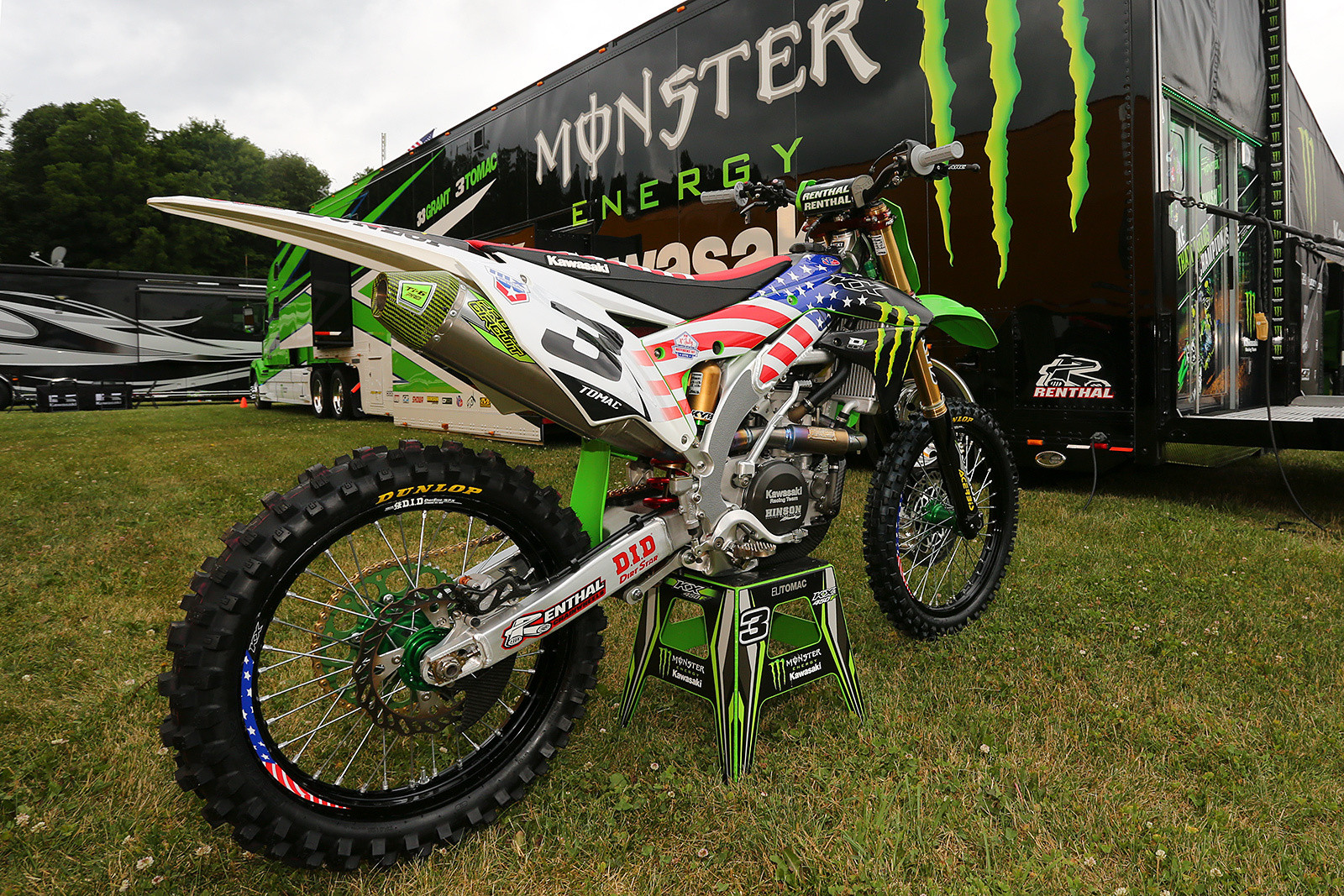 There's always lots of red, white, and blue to go along with the Independence Day weekend, and this year was no exception. Monster Energy Kawasaki had their bikes done up in the patriotic colors, as well as some custom team hats for the crew.