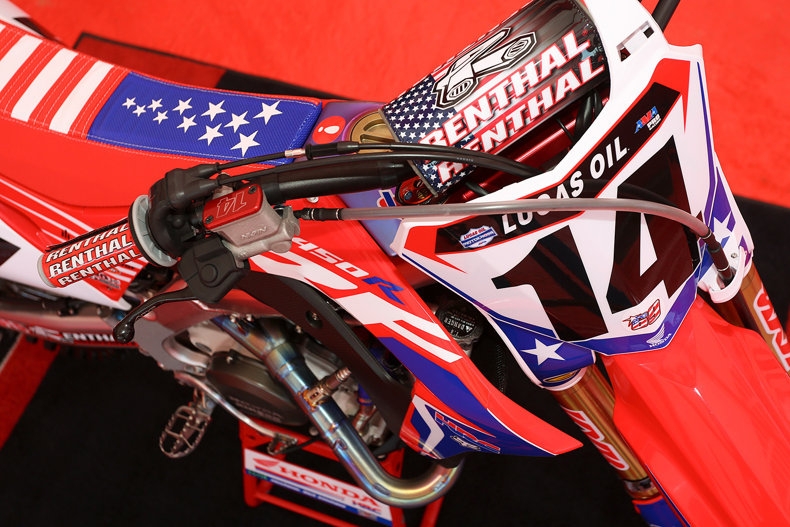 Here's a top view of Cole Seely's bike.