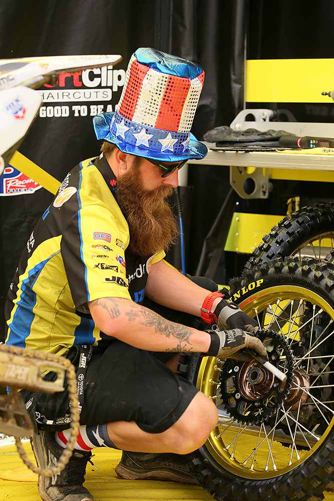 Ben Schiermeyer's hat is an annual thing here. We're sure it makes it a lot easier for Justin Barcia to pick his pit board out of the crowd.