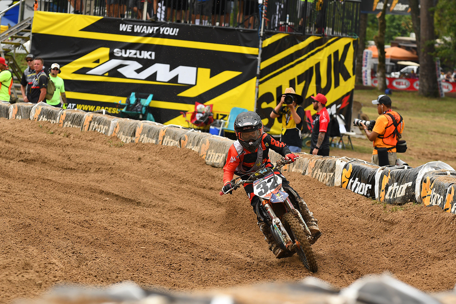 Matthew Leblanc got two top fives on the first day of Loretta Lynn's.