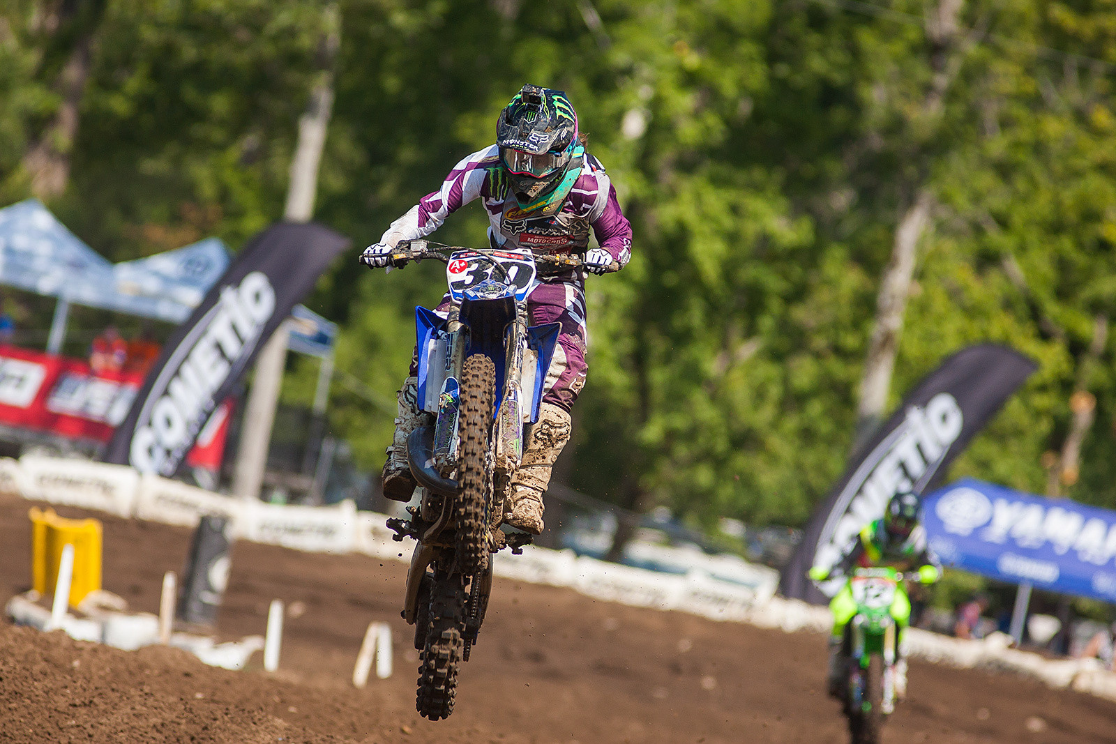 Jordan Jarvis rebounded from a first moto DNF to beat Hannah Hodges in the second Women's moto, but a title is out of the question.