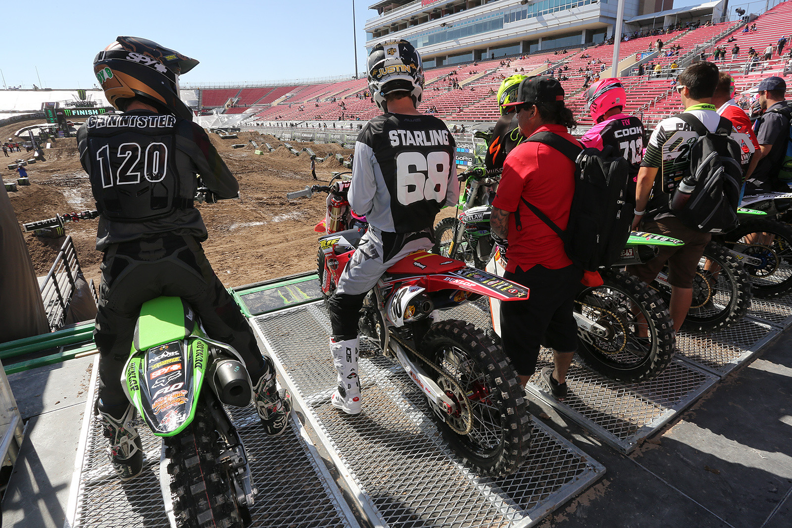 The metal grate that we will see standard for 2018 in Supercross.