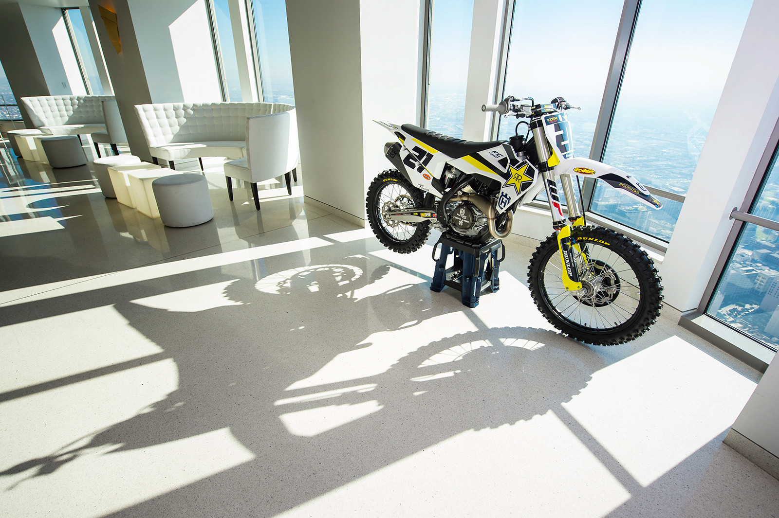 Have you ever wondered what it'd look like to have your bike on the 70th floor of your penthouse suite? Probably something like this. The intro was held at the OUE Skyspace in downtown L.A.