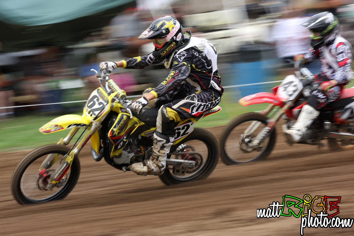 Jordon Smith battling Daniel Baker in Supermini. - 47RicePhoto - Motocross Pictures - Vital MX
