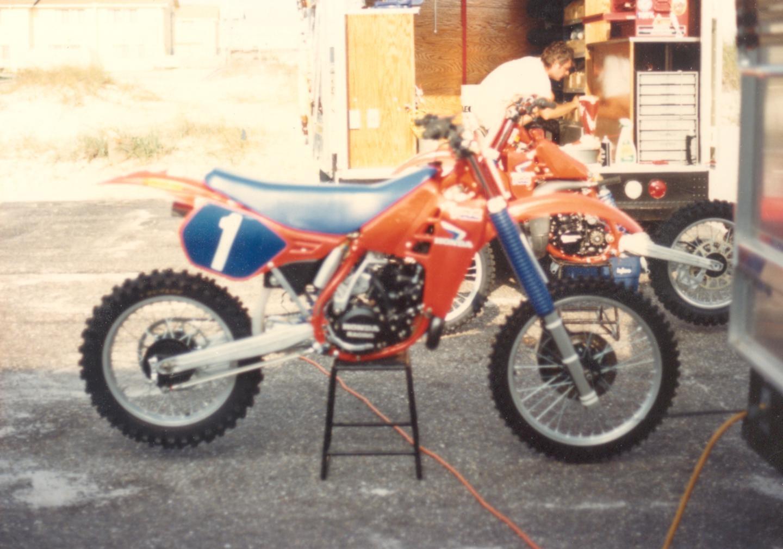 Team Honda - 228YZ - Motocross Pictures - Vital MX