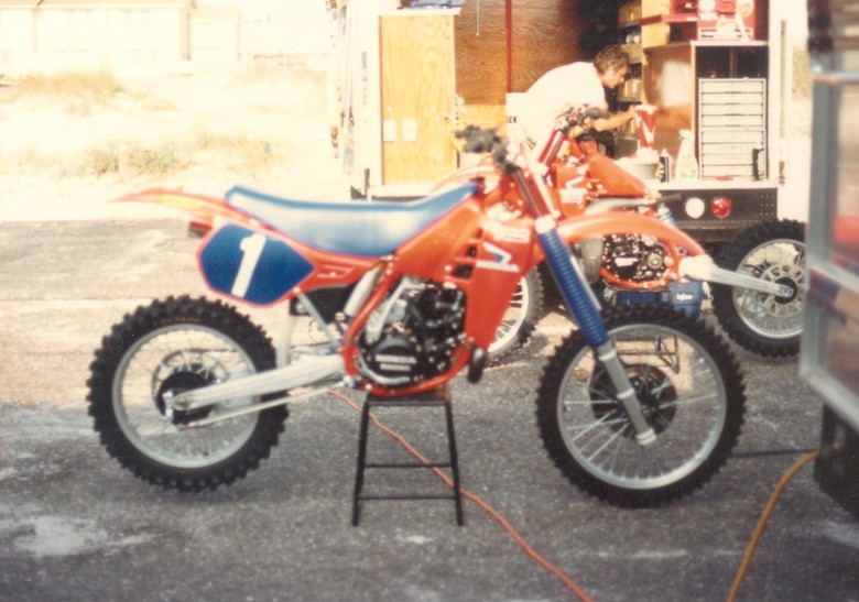 Team Honda - 228YZ - Motocross Pictures - Vital MX