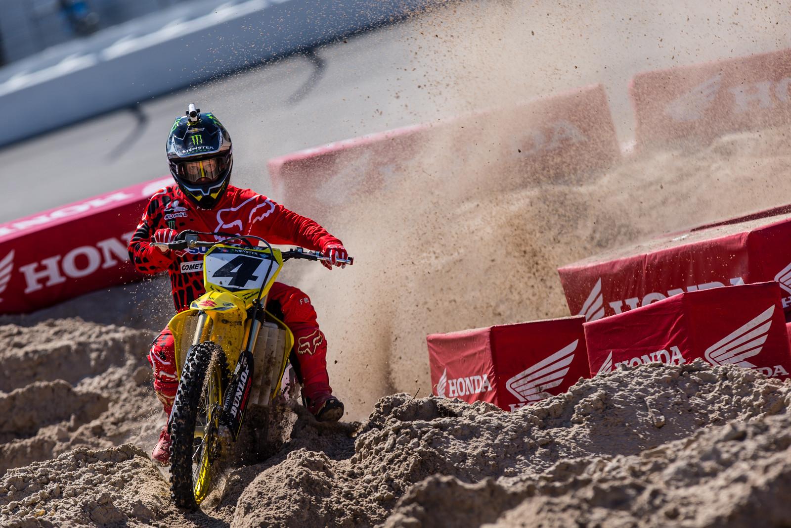 Vital MX Pit Bits: Daytona Supercross - Ricky Carmichael - Vital MX Pit Bits: Daytona Supercross - Motocross Pictures - Vital MX