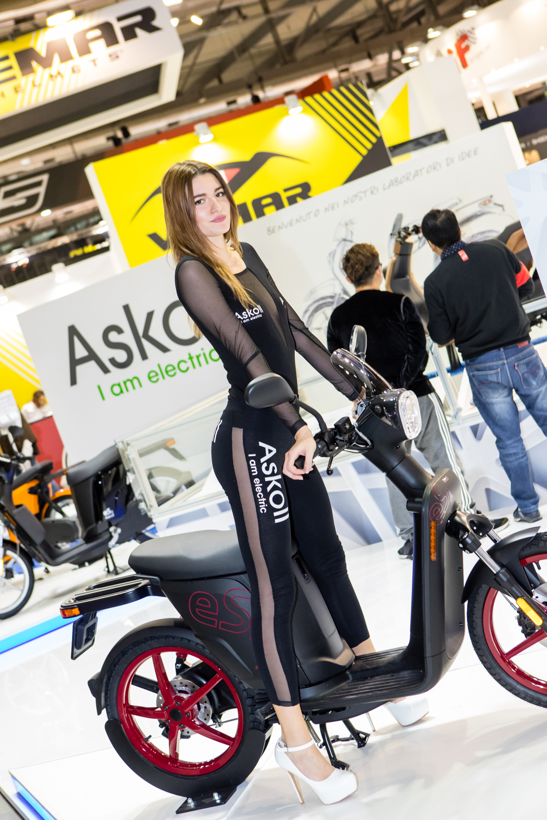 girls of eicma 2017 eicma milan motorcycle show chapter two motocross pictures vital mx. Black Bedroom Furniture Sets. Home Design Ideas