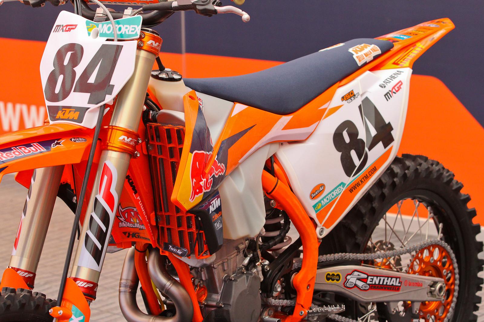 Jeffreu Herlings Enduro Tank - ayearinmx - Motocross Pictures - Vital MX