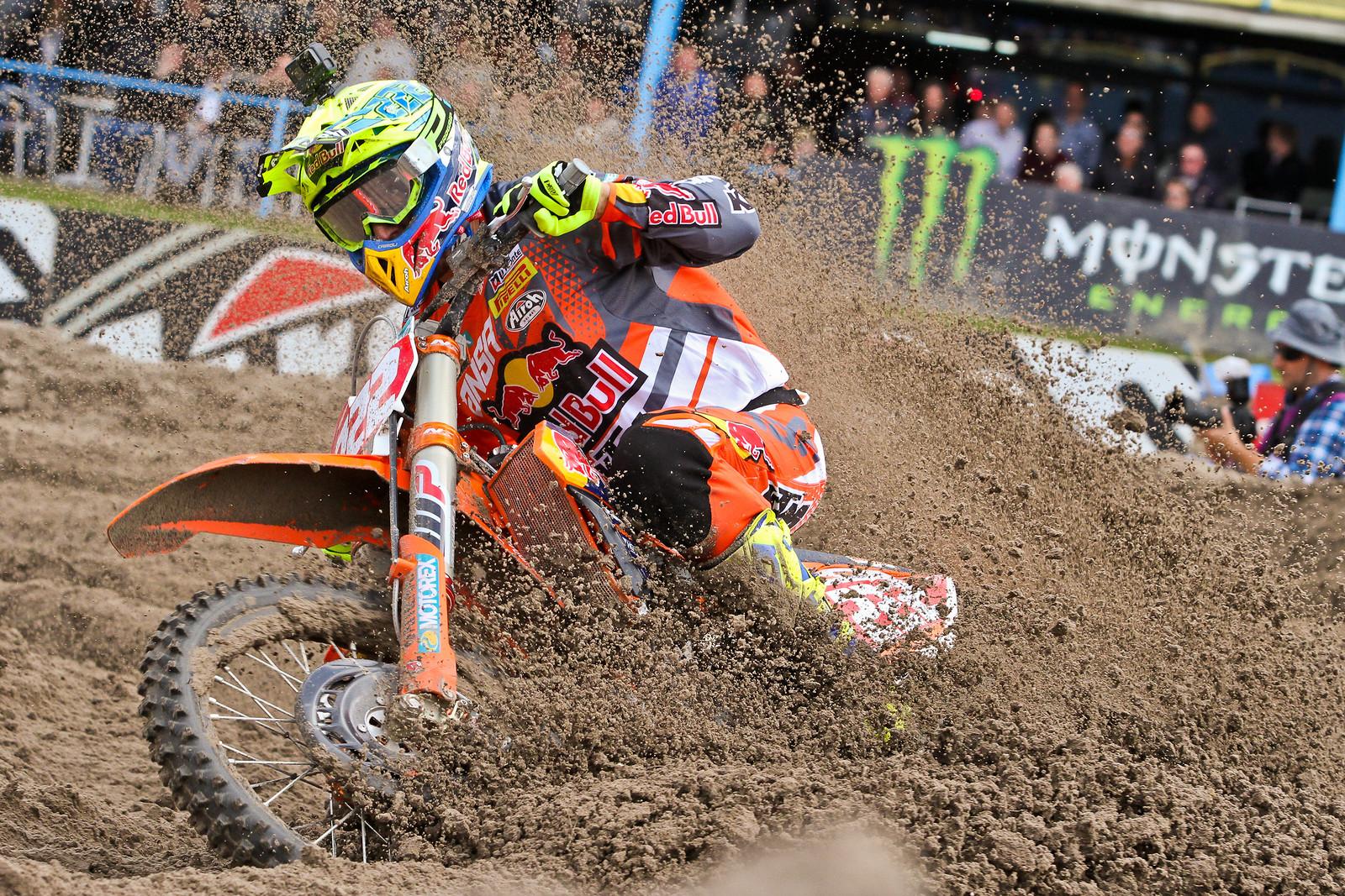 Antonio Cairoli - ayearinmx - Motocross Pictures - Vital MX