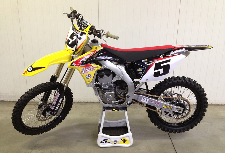 2005 Suzuki RM-Z 450 specifications and pictures