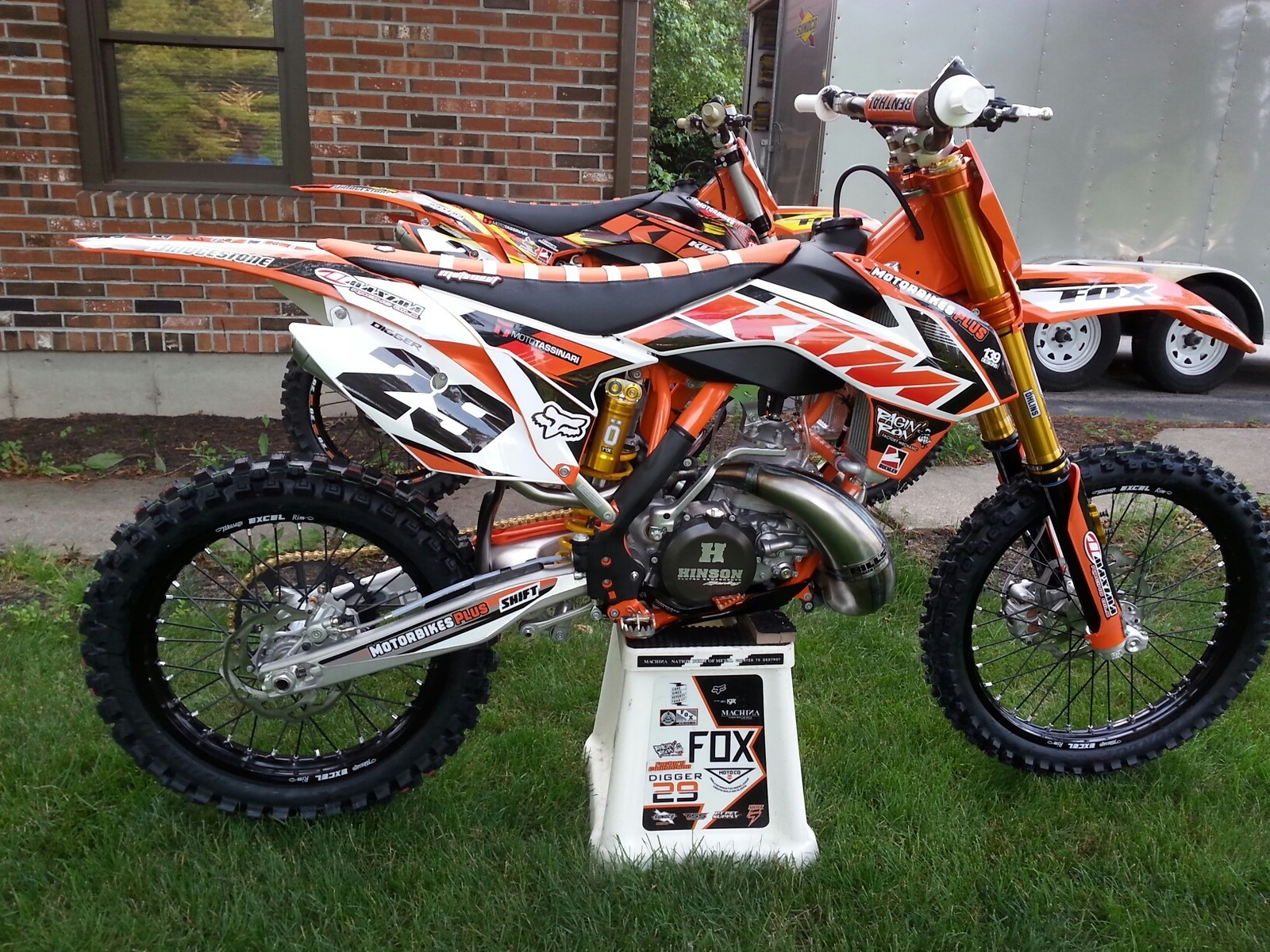 my new 2015 ktm 300sx my old 13 300sx and my 07 rm250. Black Bedroom Furniture Sets. Home Design Ideas