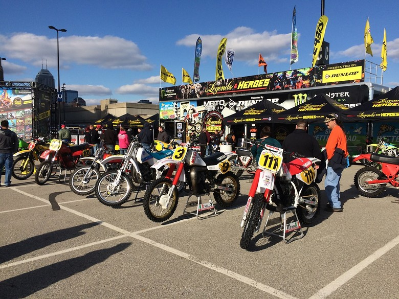 S780_my_bikes_indy_sx_in._9th_apr._16_7