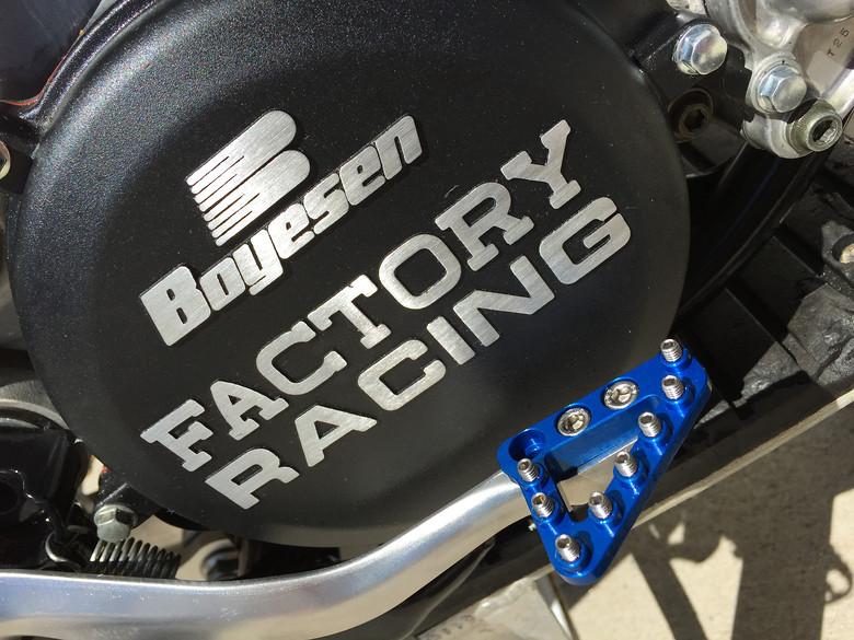 S780_brake_pedal