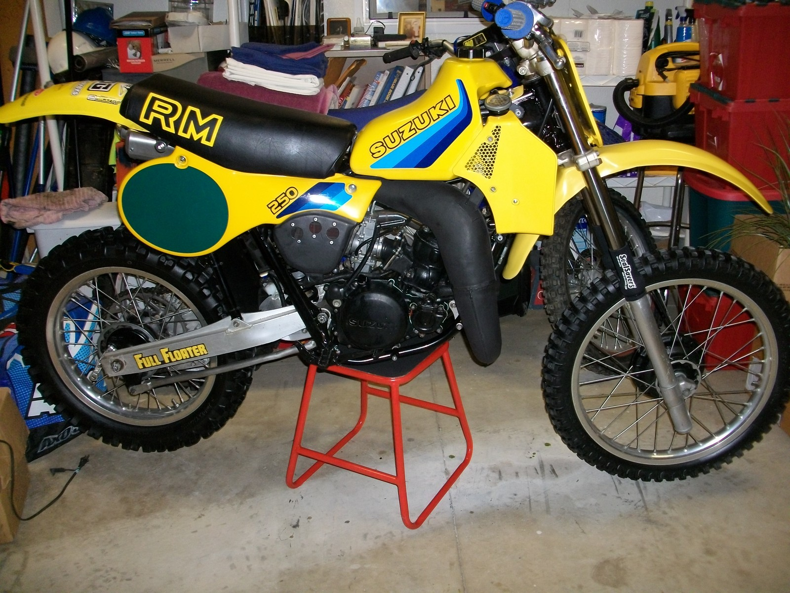 1982 RM250Z - hiwiremx - Motocross Pictures - Vital MX