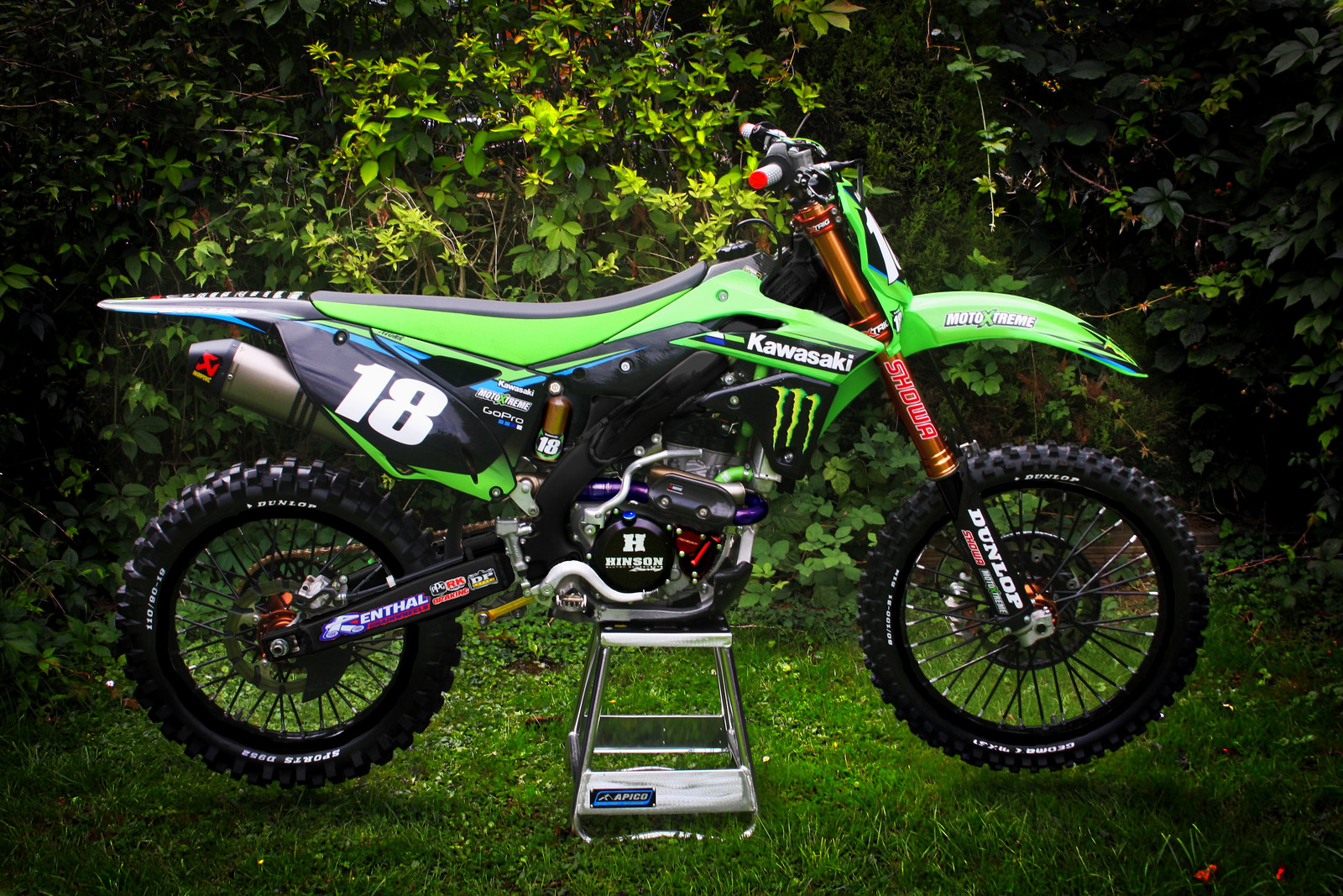 if i was asked to make a las vegas sx bike .... well here it is. ( photoshop )