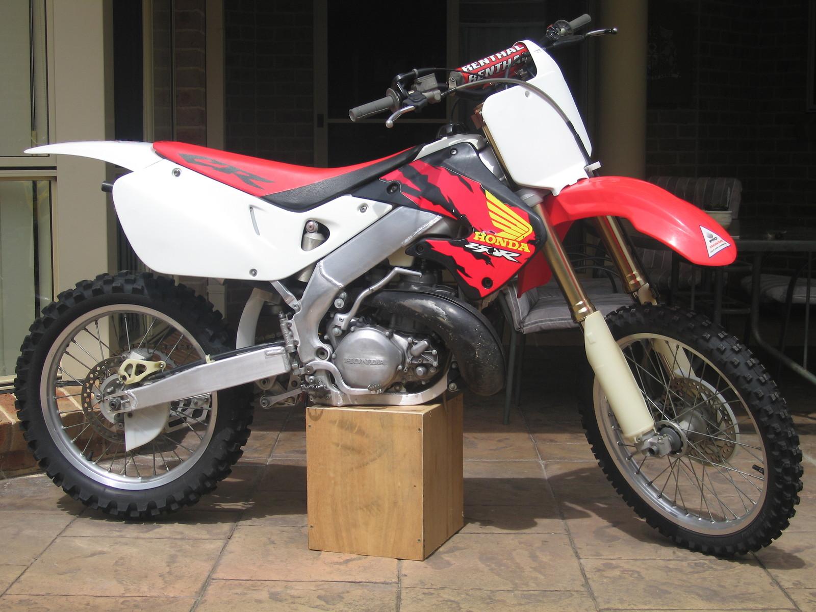 97 CR250 - lardcaster - Motocross Pictures - Vital MX