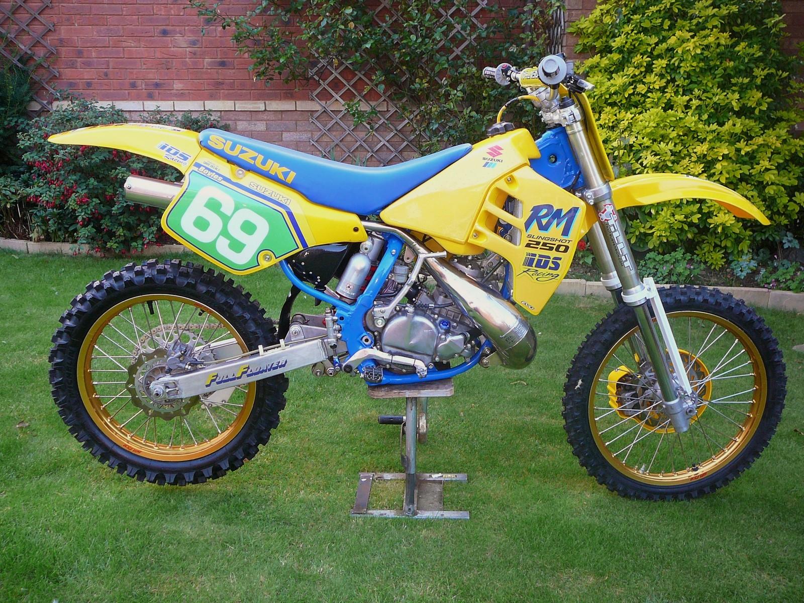 Ebc Brake Pads >> Suzuki RM250 1989 - RussB's Bike Check - Vital MX