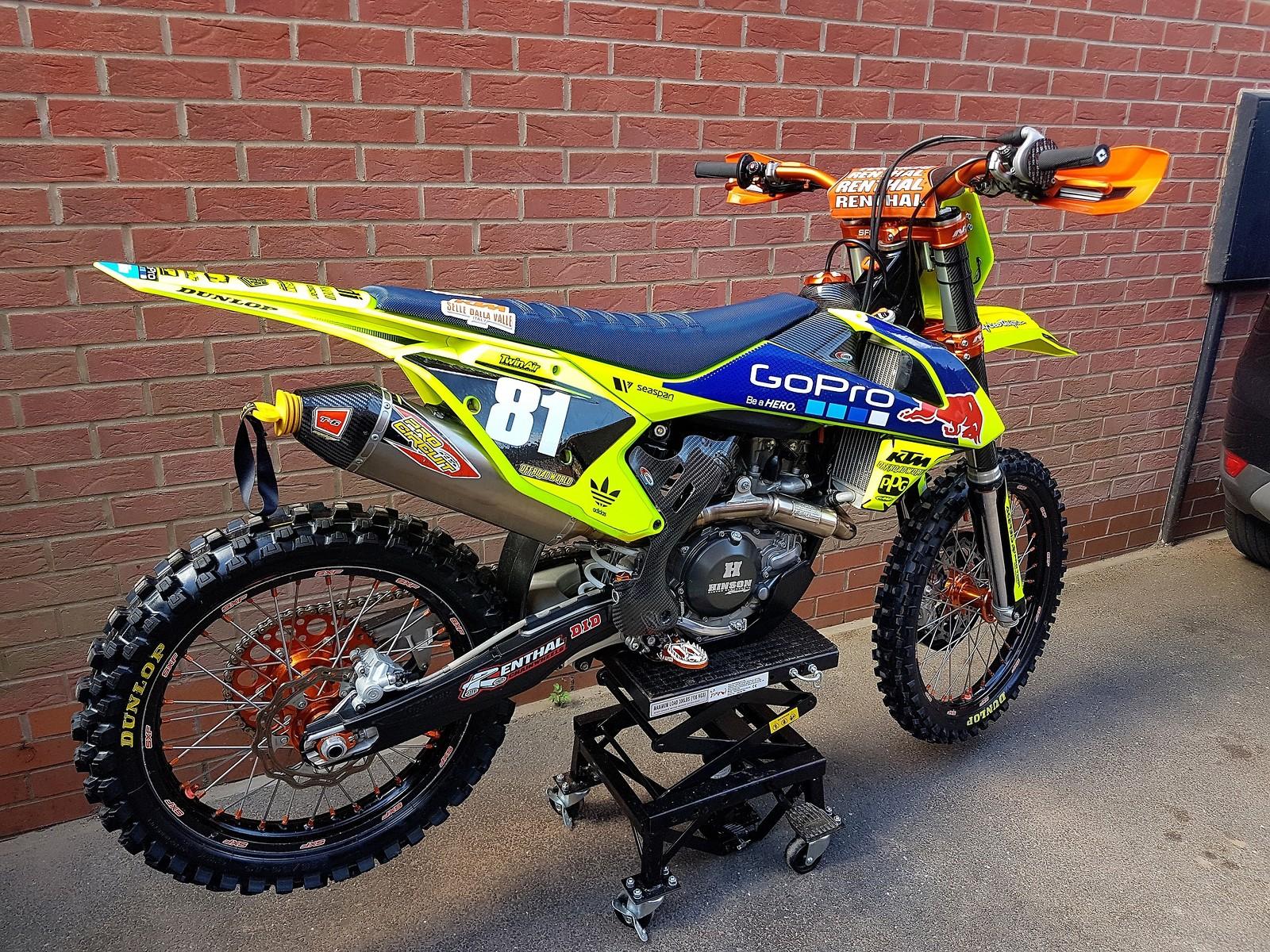Fluorescent yellow 2016 SXF 450 - locky - Motocross Pictures - Vital MX