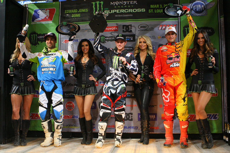 Ryan Villopoto scored his fifth win of the season, and shared the podium with Ryan Dungey and Justin Brayton.