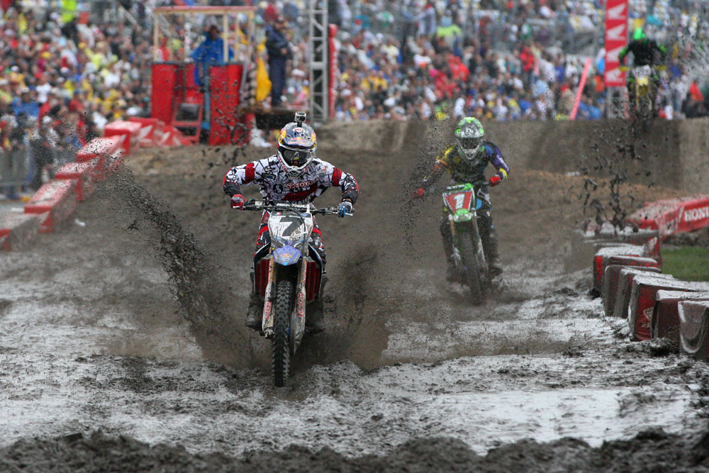 James Stewart and Ryan Villopoto - Vital MX Pit Bits: Daytona - Motocross Pictures - Vital MX