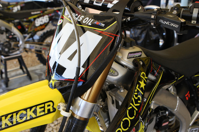 Rockstar Energy Suzuki - Vital MX Pit Bits: Steel City - Motocross Pictures - Vital MX