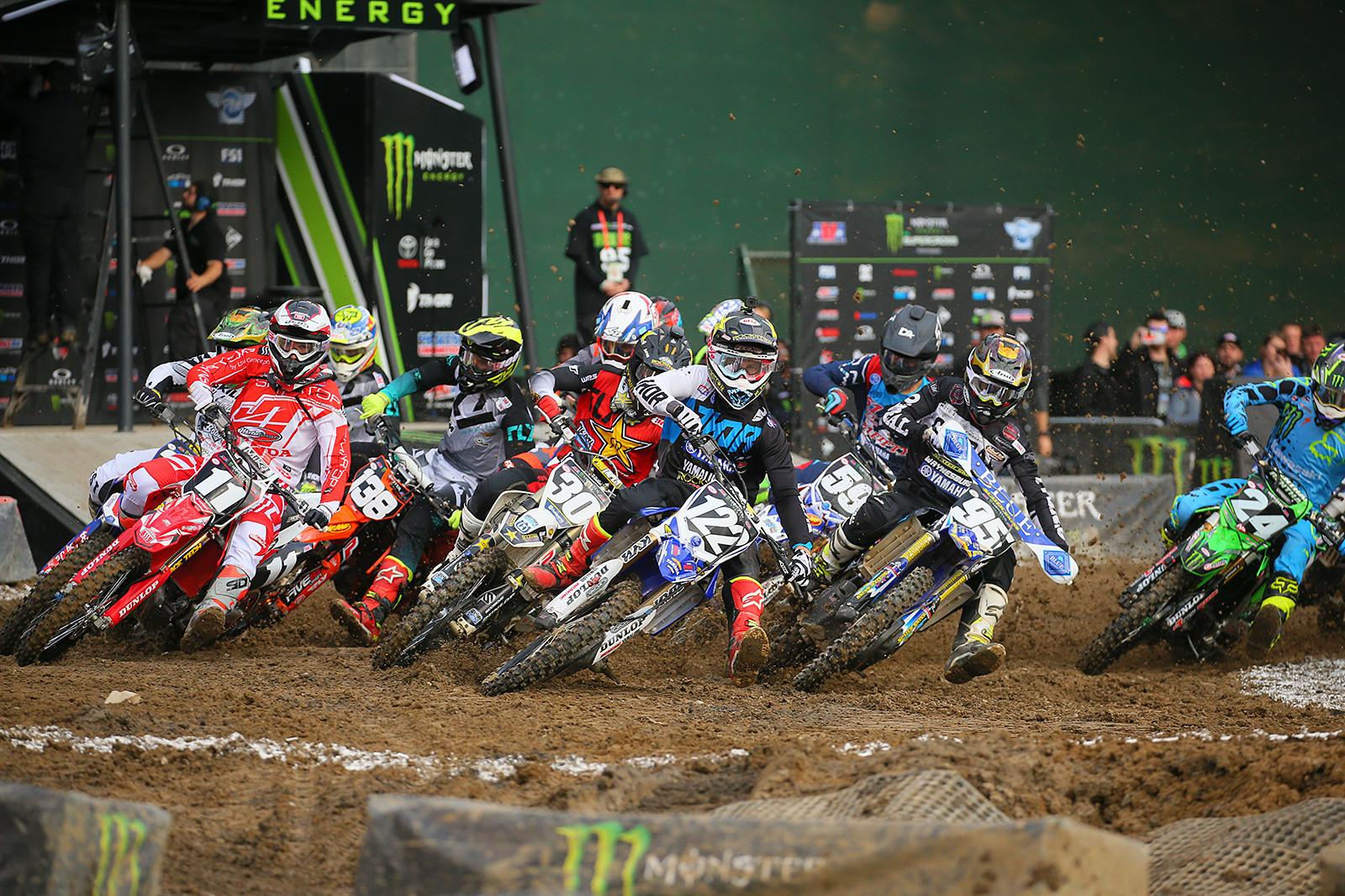 Photo Blast: Oakland 250 Heat One Start - Photo Blast: Oakland - Motocross Pictures - Vital MX