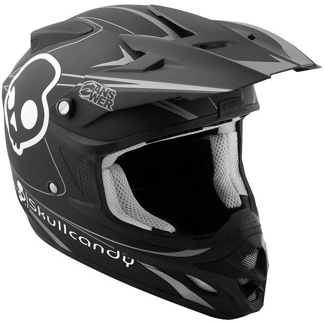 Answer Skullcandy Comet Helmet