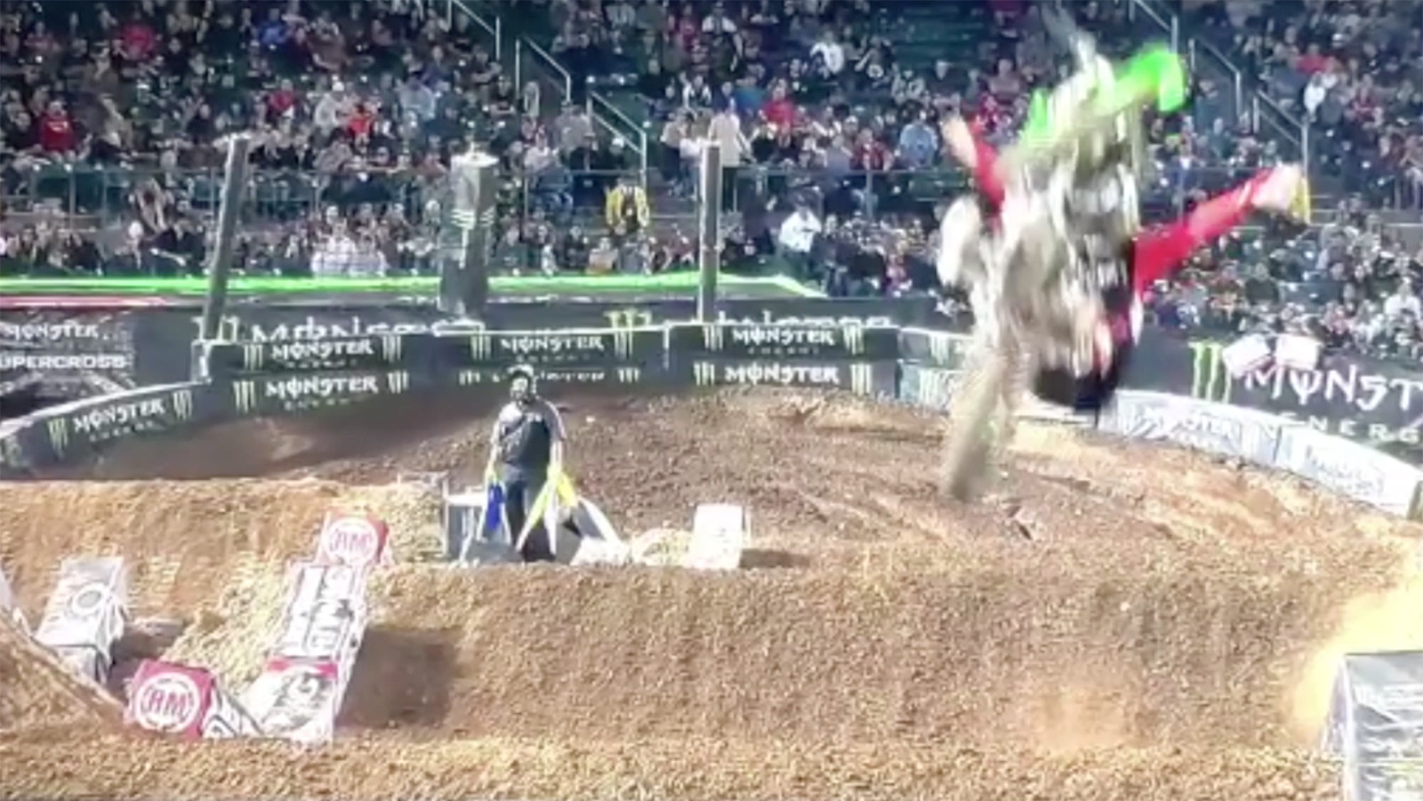CRASH: Huge Loopout from Tyler Bowers in Oakland